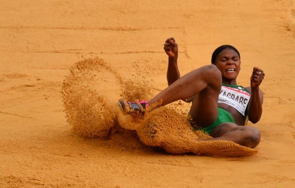 11.ago.2013 - A nigeriana Blessing Okagbare ficou com a prata no salto em distância