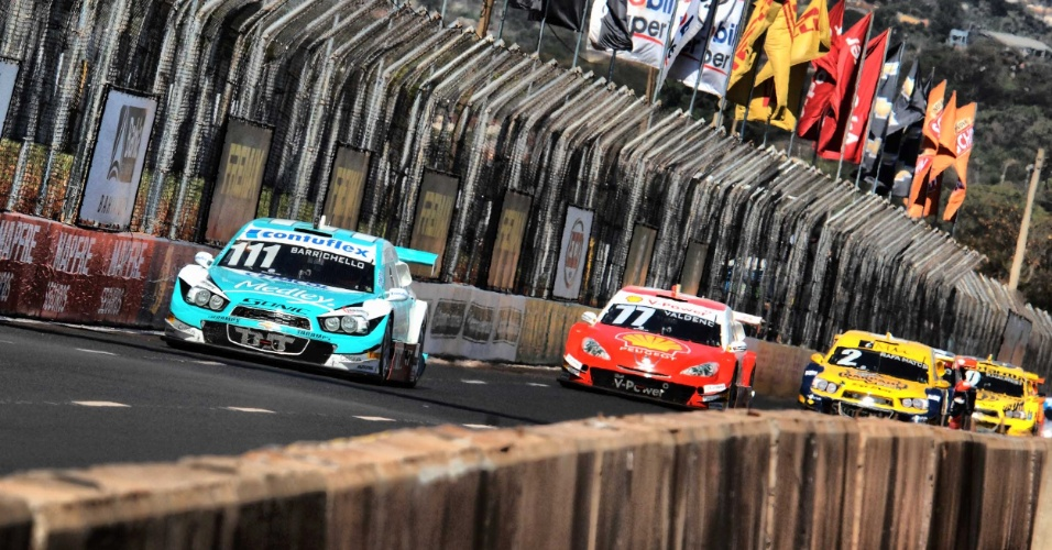 11.ago.2013 - Rubens Barrichello é visto durante a etapa de Ribeirão Preto da Stock Car