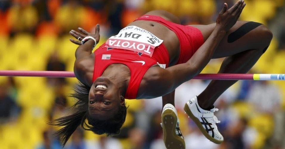 12.ago.2013 - A americana Sharon Day se esforça para passar pelo sarrafo nas eliminatórias do salto em altura