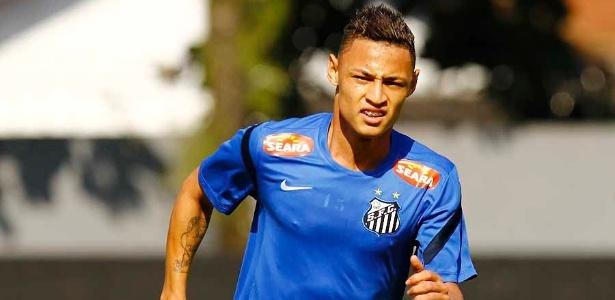 O atacante Neilton tem contrato com o Santos até maio do próximo ano