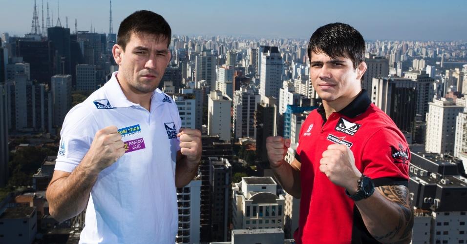 20.ago.2013 - Brasileiros Demian Maia e Erick Silva, atrações do UFC Barueri, posam em São Paulo para promover o evento