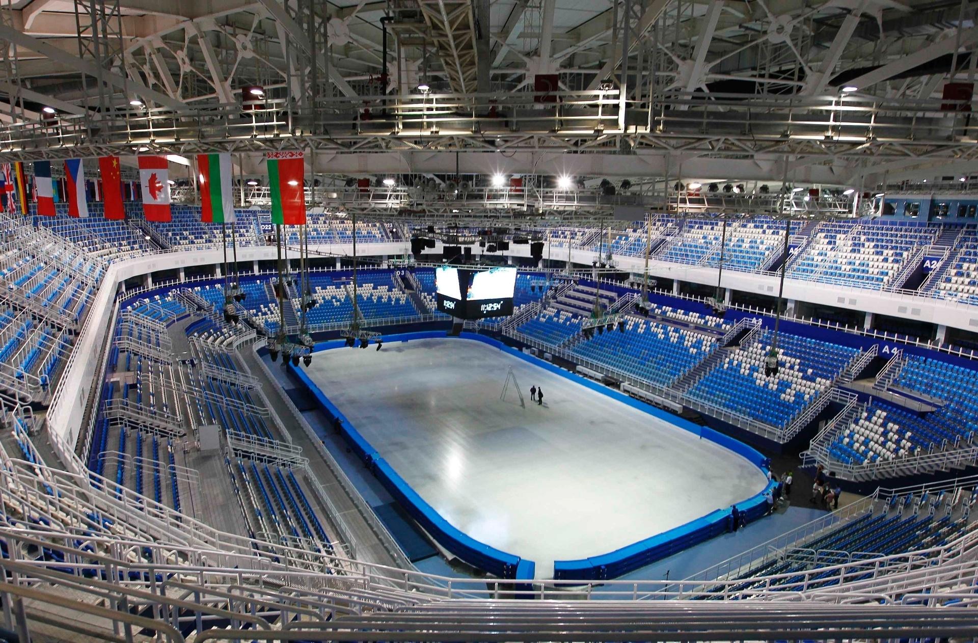 20.ago.2013 - Iceberg Skating Palace está praticamente pronto para os Jogos de Inverno de Sochi. A arena receberá as competições de patinação artística e patinação de velocidade na Olimpíada, em fevereiro