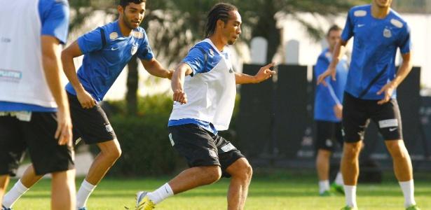 Everton Costa fez seu primeiro treinamento pelo Santos nesta terça-feira