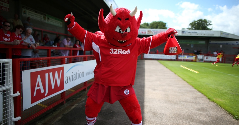 Reggie the Red Mascote
