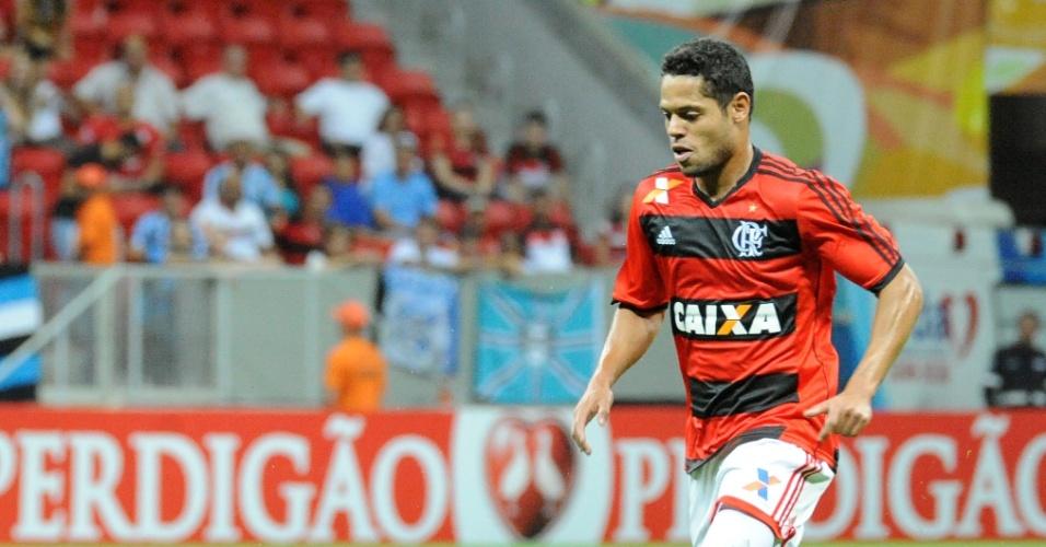 http://imguol.com/c/esporte/2013/08/24/240813---joao-paulo-sai-jogando-para-o-flamengo-no-duelo-contra-o-gremio-pelo-brasileirao-1377382694139_956x500.jpg