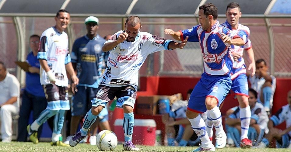 Pioneer (azul) venceu o Turma do Baffô (branco) por 2 a 0