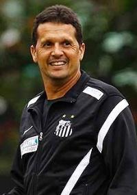 Treinador do Santos: Claudinei recebe aumento de 700% e é efetivado