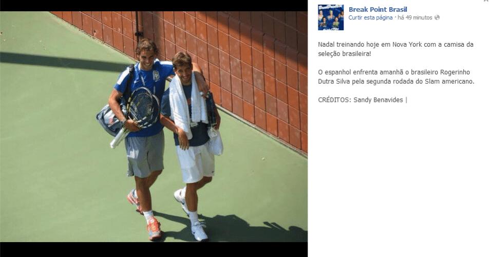 28.ago.2013 - Antes de encarar o brasileiro Rogério Dutra Silva, Rafael Nadal treina no complexo do Aberto dos Estados Unidos com camisa azul da seleção brasileira de futebol