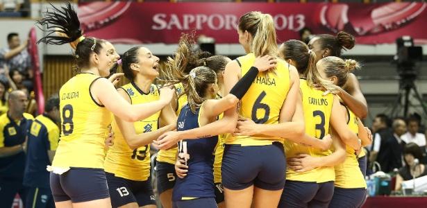 A seleção brasileira estreou com vitória sobre a forte equipe dos EUA nas finais do Grand Prix