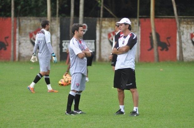 Juan conversou com Caio Júnior nesta quinta-feira