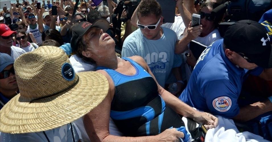 02.09.2013 - Diana Nyad, 64, completou nesta segunda-feira a travessia a nado entre Cuba e a Flórida