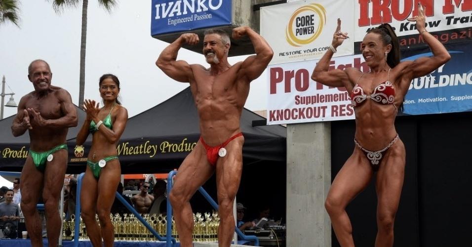 03.set.2013 - Fisiculturistas veteranos exibem boa forma em evento tradicional da Califórnia, nos EUA