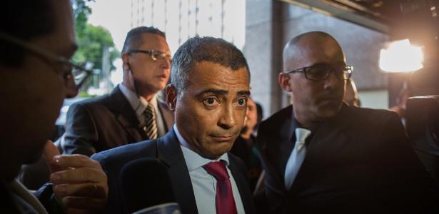 Romário ataca Fifa e CBF em audiência sobre problemas financeiros dos clubes do Brasil