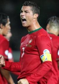 foi dispensado : Após marcar 3, Ronaldo descansa contra o Brasil