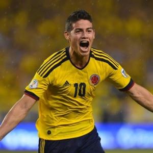 : Após atraso, Colômbia bate Equador e se iguala à Argentina na liderança