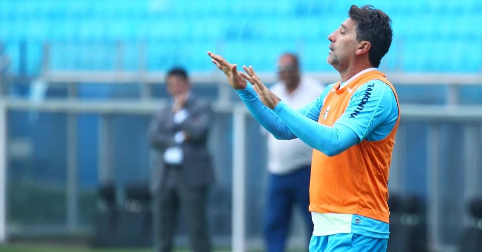Renato Gaúcho brinca a?pós vitória de seu time em recreativo do Grêmio