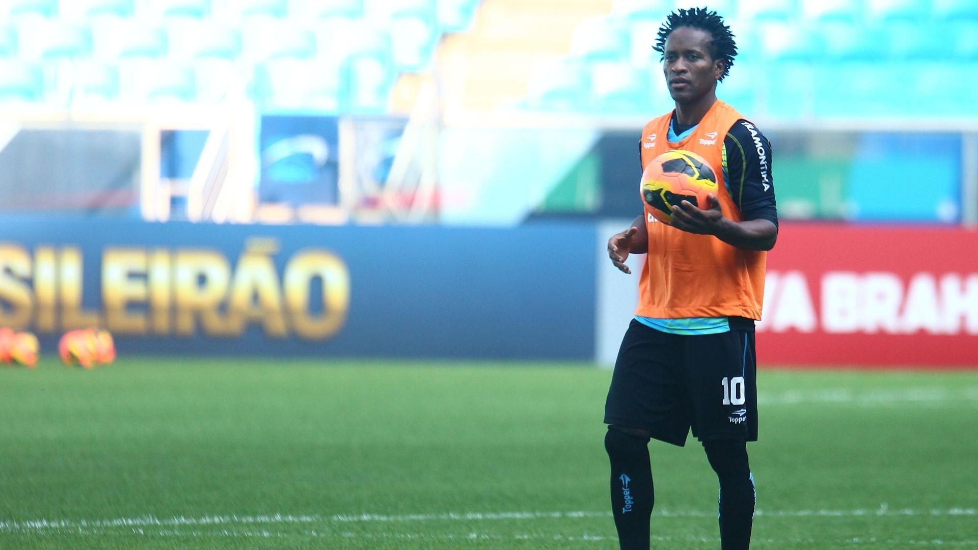 Zé Roberto volta ao time titular do Grêmio no próximo sábado, contra a Portuguesa