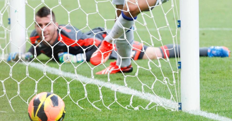 08.set.2013 - Gol ratificou a liderança do Cruzeiro no Campeonato Brasileiro de 2013