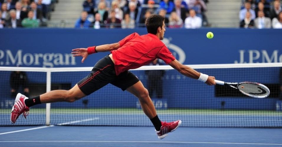 09.set.2013 - Novak Djokovic sofreu no primeiro set, mas conseguiu superar Rafael Nadal na segunda parcial da decisão do Aberto dos Estados Unidos