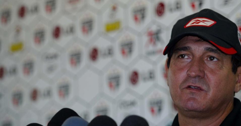 26.06.2007 - Muricy Ramalho concede entrevista coletiva após treinamento do São Paulo