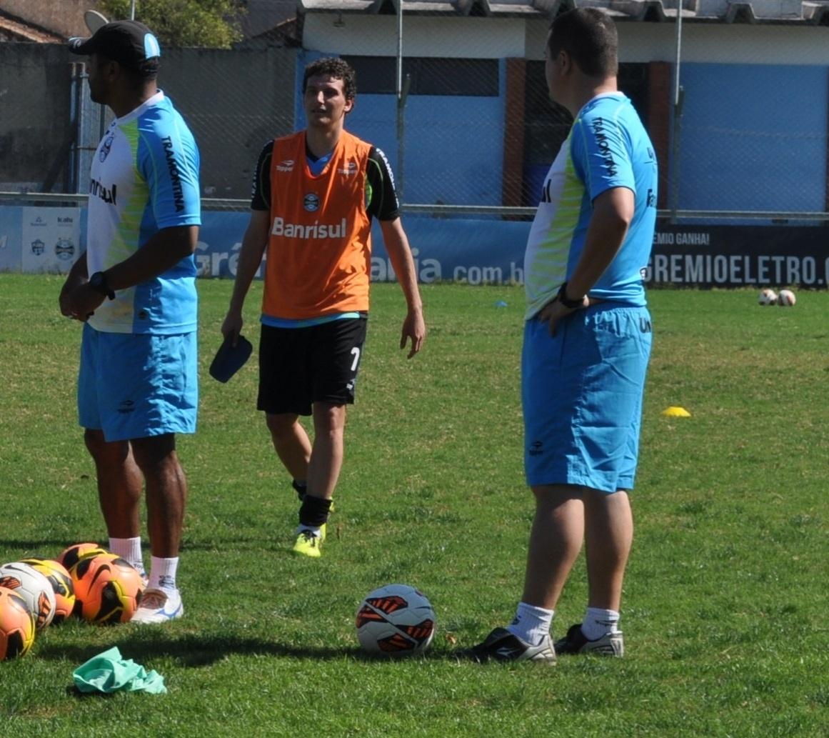 Elano trabalha sem limitações e está novamente disponível ao Grêmio