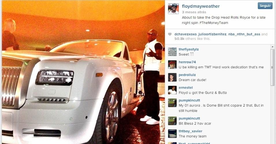 Mayweather ao lado de seu Rolls Royce