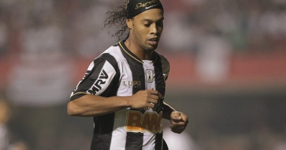 18.set.2013 - Ronaldinho Gaúcho durante partida do Atlético-MG contra o São Paulo no Morumbi