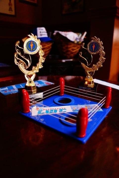 Os prêmios para os vencedores da luta de polegares