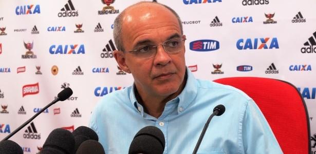 O presidente Eduardo Bandeira esteve presente em treino do Flamengo na última sexta-feira