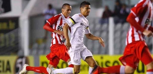 Cícero (foto) e Thiago Ribeiro foram os destaques do Santos no período em que Montillo esteve fora