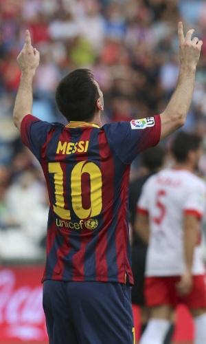 28.set.2013 - Messi marca o primeiro gol pelo Barcelona na partida contra o Almería, pelo Campeonato Espanhol