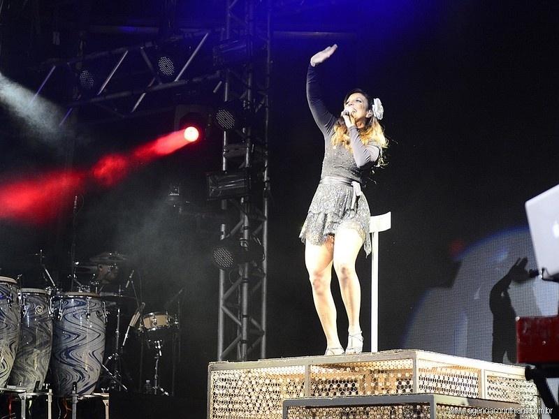 Ivete Sangalo foi a atração principal da noite no Itaquerão, no primeiro grande evento no estádio