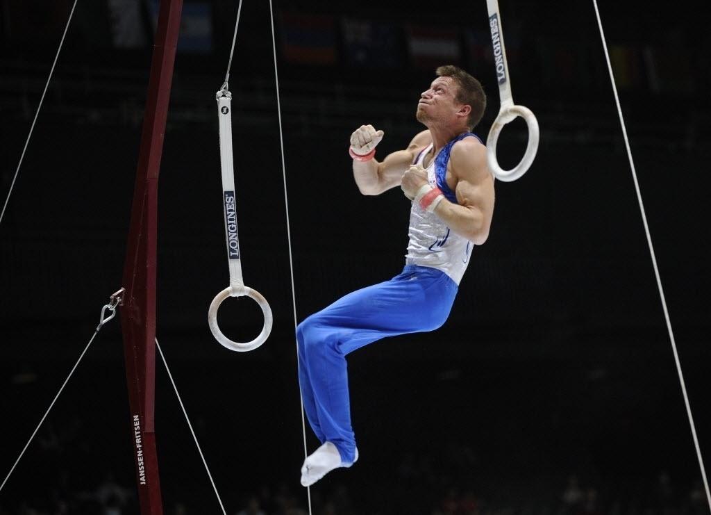 30.09.2013 - Francês Arnaud Willig completa sua série nas argolas na disputa do individual geral no Mundial da Antuérpia