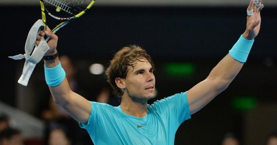 01.out.2013 - Rafael Nadal comemora após derrotar Santiago Giraldo na estreia em Pequim