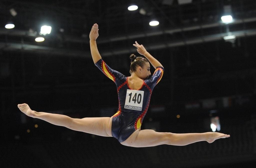 01.10.2013 - Cintia Rodriguez, da Espanha, se apresenta no Mundial de Ginástica da Antuérpia
