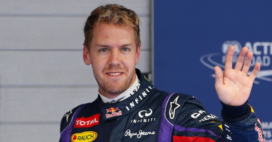 Sebastian Vettel comemora pole position para GP da Coreia