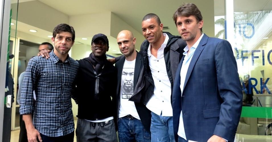07.out.2013 - Juninho Pernambucano, Seedorf, Cris, Dida e Paulo André representaram o Bom Senso F.C. em reunião com a CBF