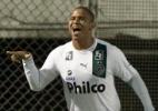 Walter tem acordo verbal com Goiás e pode deixar Atlético-PR, diz rádio - Simon Plestenjak/UOL