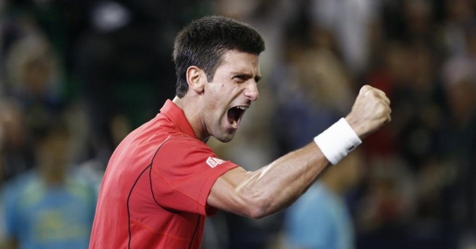 13.out.2013 - Djokovic vibra ao conquistar o Masters 1000 de Xangai