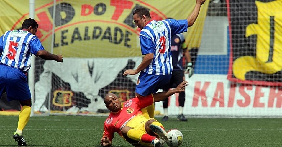 Partida entre Santa Cruz e Metalúrgico terminou em 0 a 0 e vaga para final da Série B foi decidida nos pênaltis