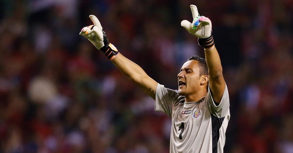 06.set.2013 - Keylor Navas, goleiro da Costa Rica, comemora um dos gols na partida contra os EUA pelas eliminatórias da Copa-2014