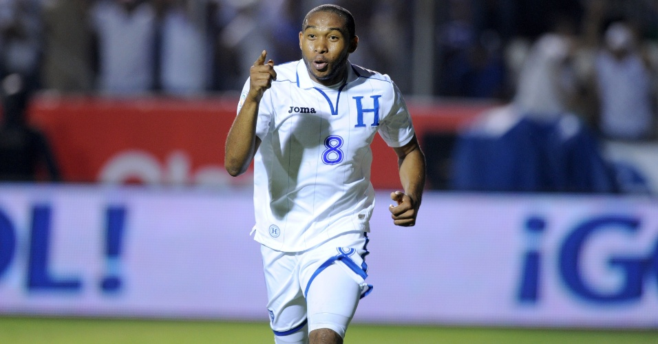 10.set.2013 - Wilson Palacios, de Honduras, comemora após marcar um gol na partida contra o Panamá pelas eliminatórias da Copa-2014