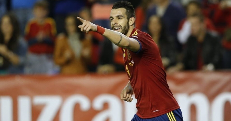 15.out.2013 - Negredo comemora depois de abrir o placar para a Espanha contra a Geórgia, em partida pelas eliminatórias da Copa-14; espanhóis venceram por 2 a 0
