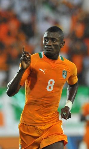 26.jan.2012 - Salomon Kalou, da Costa do Marfim, comemorar após marcar um gol no jogo contra Burkina Fasso pelas eliminatórias da Copa-2014