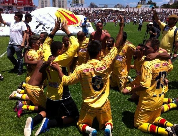 20.out.2013 - Santa Cruz é campeão da Série B da Copa Kaiser 2013.