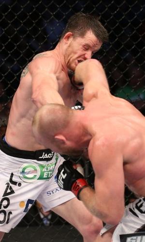Tim Boetsch acerta CB Dollaway em luta do UFC 166