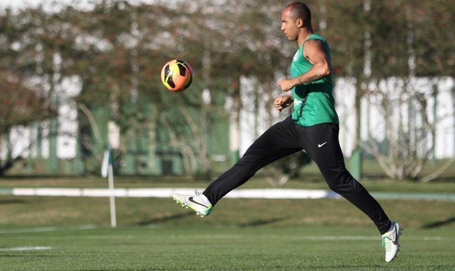 Deivid participa de treino no Coritiba