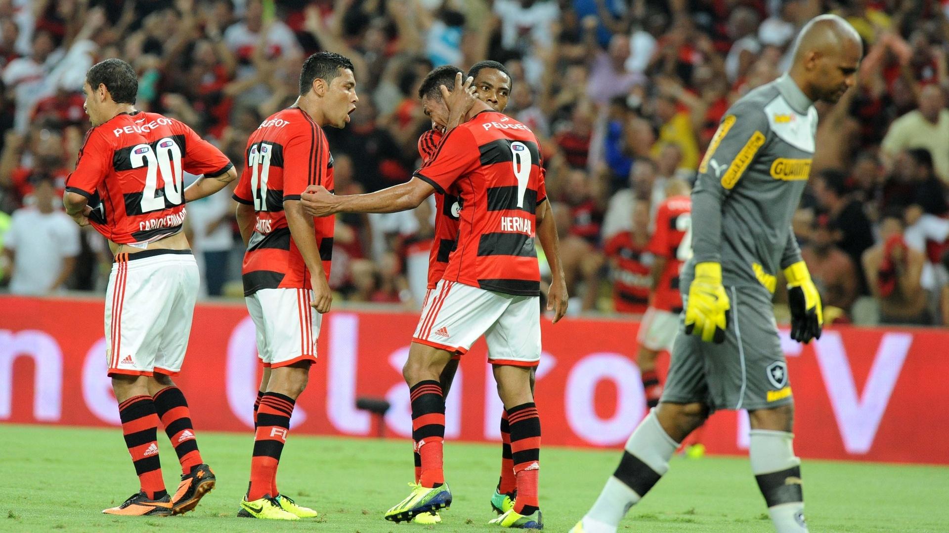Carlos Eduardo, André Santos, Elias e Hernane comemoram gol do Flamengo sobre o Botafogo, pela Copa do Brasil