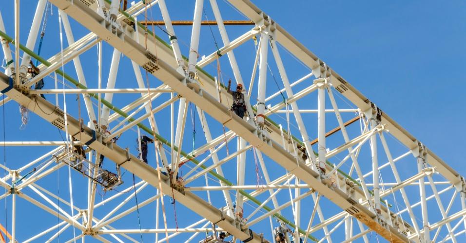 11.09.2013 - Imagens mostram evolução da obra da Arena Pantanal, estádio de Cuiabá para a Copa de 2014