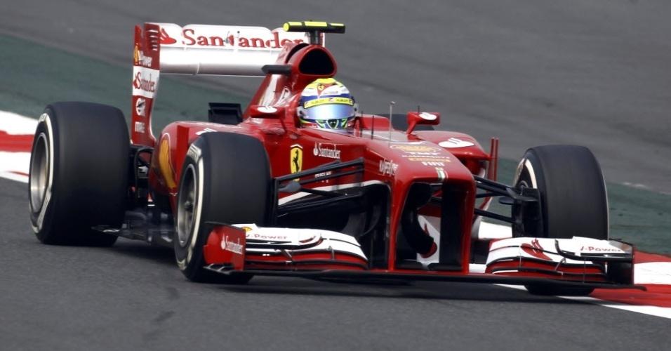 26.out.2013 - Brasileiro Felipe Massa, da Ferrari, fez o sexto melhor tempo na terceira sessão de treinos do GP da Índia